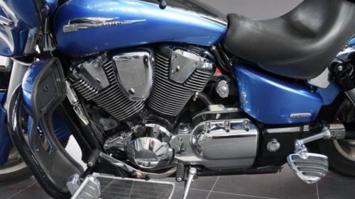 honda-vtx-1800-t-2008[12]